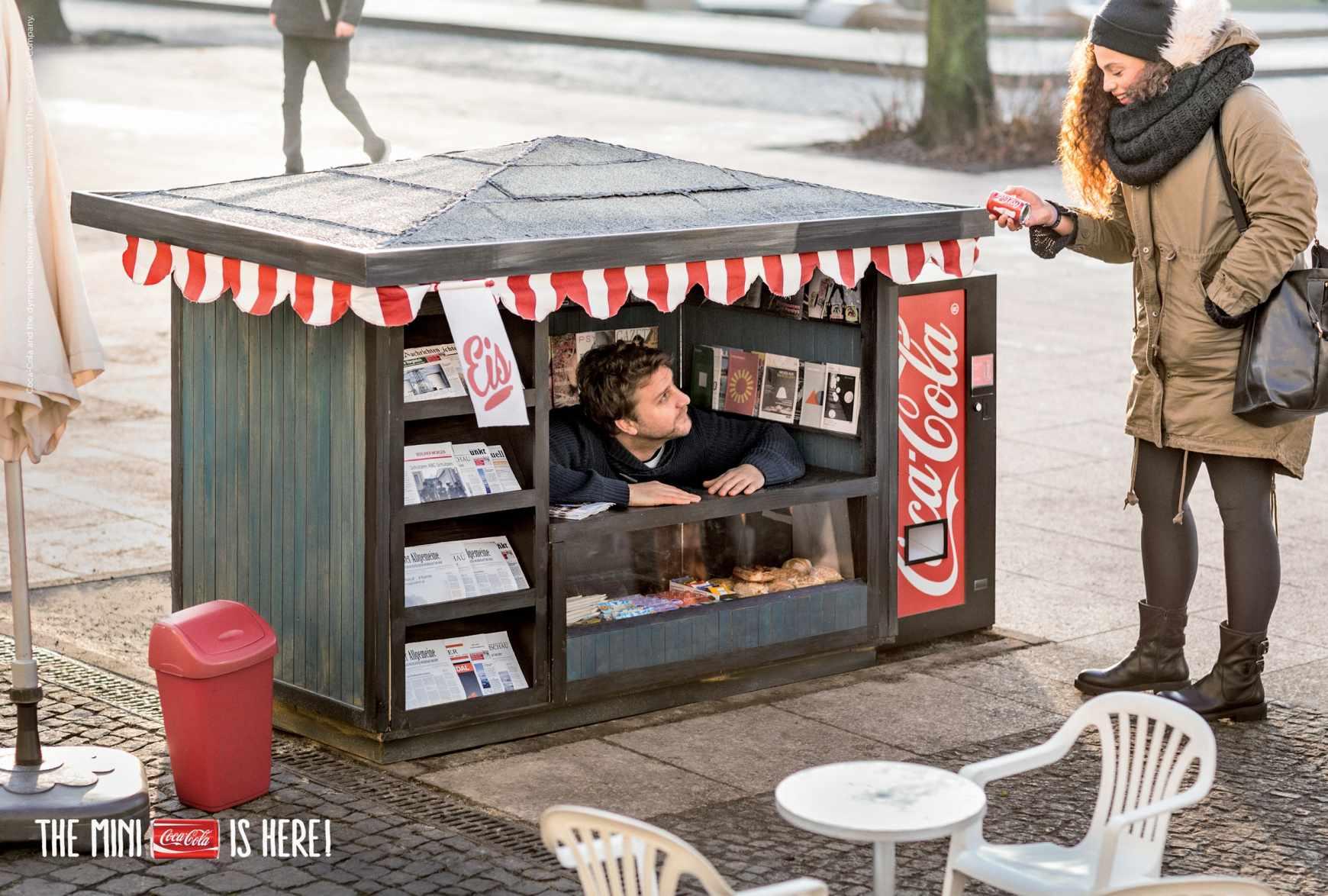 Campaña de publicidad mini para las mini latas de Coca-Cola-quiosco-agencia-publicidad-sevilla-appleman-magazine-01