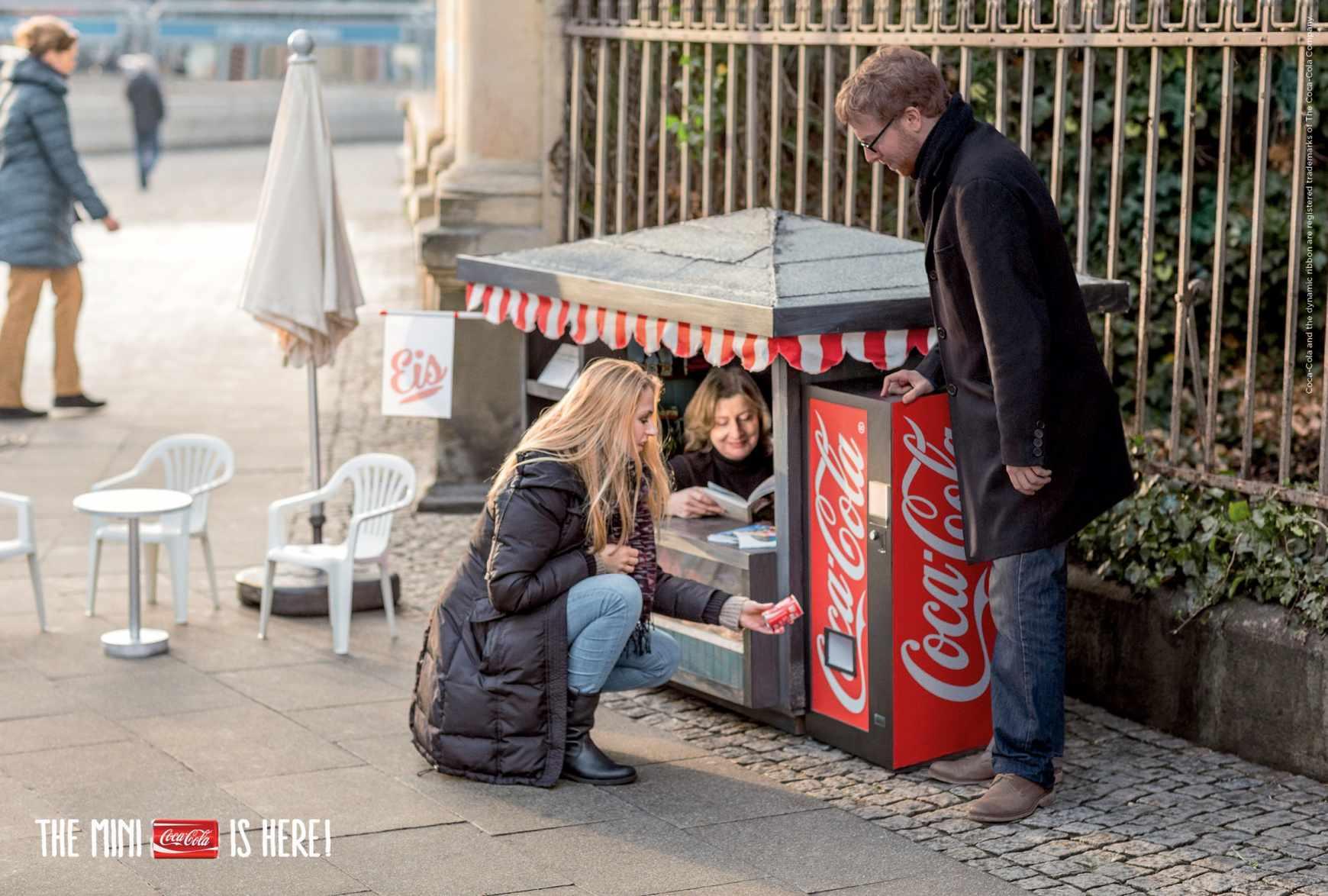 Campaña de publicidad mini para las mini latas de Coca-Cola-quiosco-agencia-publicidad-sevilla-appleman-magazine-03