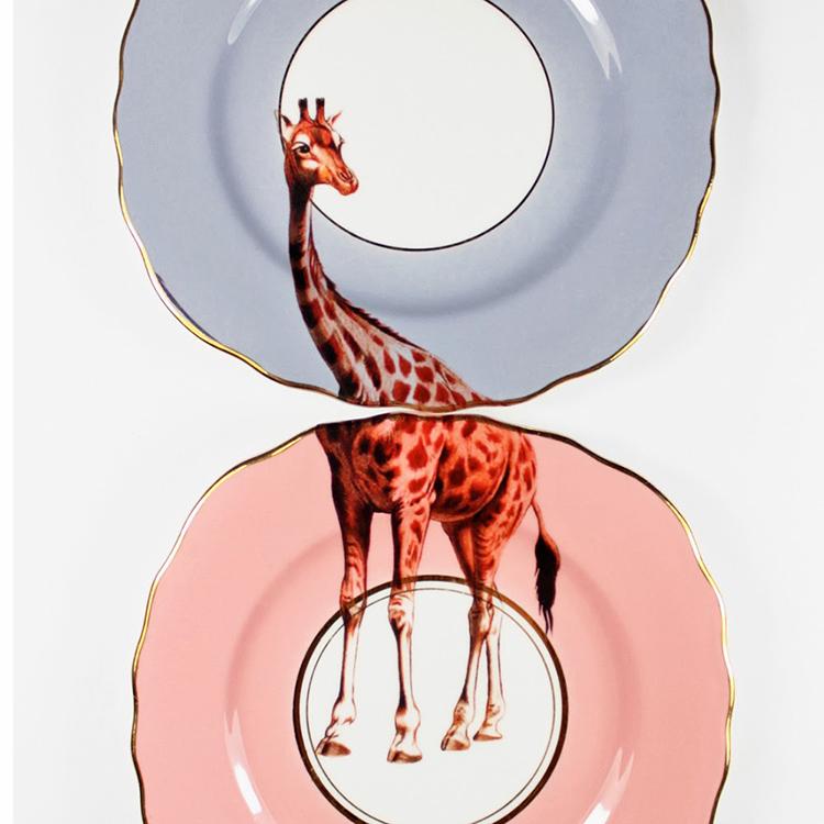 Diseño en platos-Tendencia que une decoración y arte-Yvonne-Ellen-agencia-diseño-sevilla-johnappleman-05
